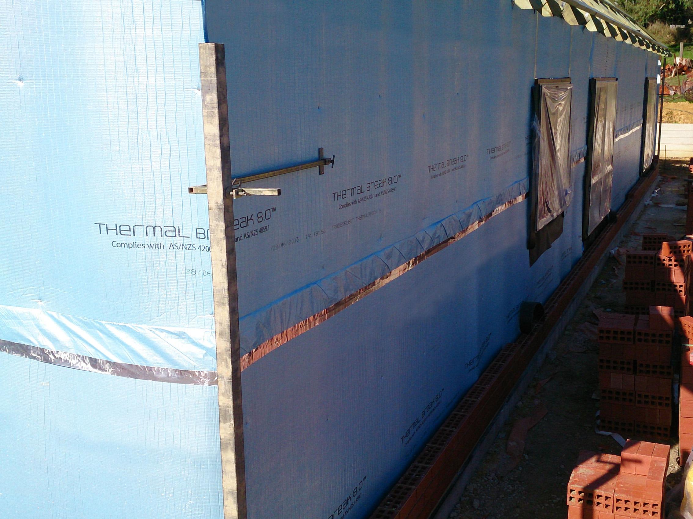 Brick veneer wall reflex insulation for Concrete wall insulation wrap