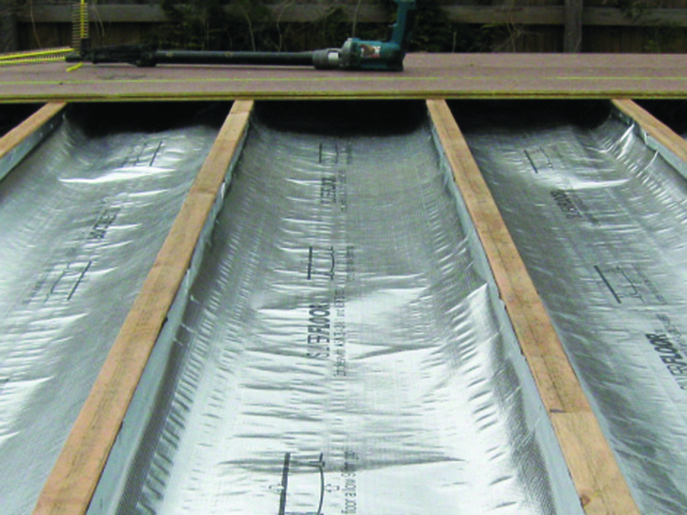 Floor reflex insulation for Suspended concrete floor